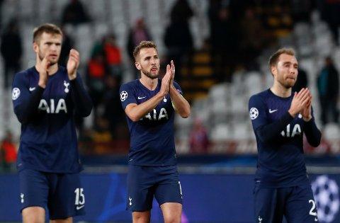 Harry Kane (midten) og de andre Tottenham-spillerne applauderer supporterne sine etter seieren i Beograd i midtuken. Tre kamper på under en uke for Tottenham, kan gjøre at det er en del slitne bein i troppen.