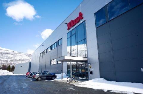 MØTE: Torsdag ble det holdt allmøte på Mack-fabrikken i Nordkjosbotn i Balsfjord.