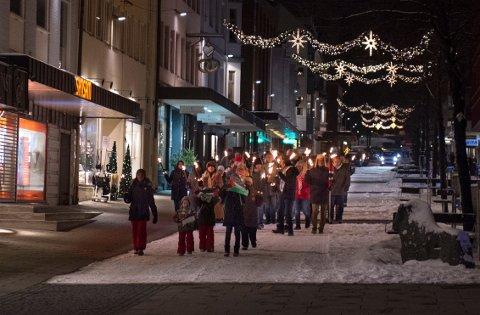Rundt 70 mennesker møtte fram for å delta i torsdagens markering i Gjøvik sentrum.