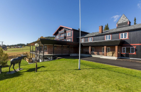 TIL SALGS: Enda et fjellhotell i Valdres er nå til salgs. Nå er det Hovda fjellstue som søker nye eiere.