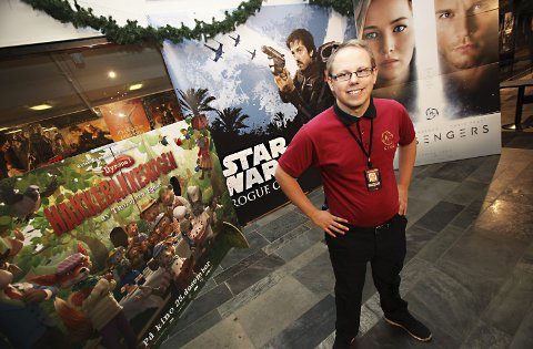 STORFORNØYD: Alexander Dalen slapp nærmere 274.000 filminteresserte inn i salene sine på SF Kino Ski i løpet av 2016. Drøye 12.000 gikk på kino gjennom jul- og nyttårshelgen.FOTO: ODD INGE RAND