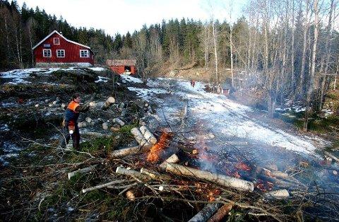 FREM FRA GLEMSELEN: Oslo kommune gjorde en kjempejobb med å rydde vekk vegetasjonen som hadde grodd opp i innmarka på Bøvelstad før den ble tatt i bruk som turistforeningshytte.