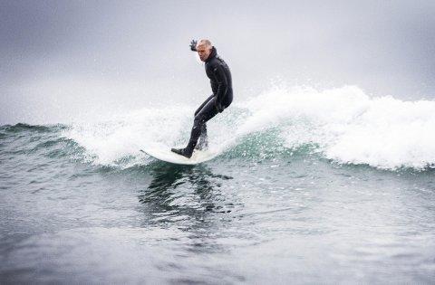 Ivar Eidsten Trondsen kan endelig juble for egne surfesoner ved Mølen. Arkivfoto