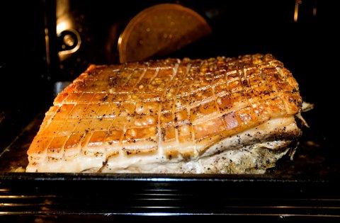 RIBBE: Kjøttbransjen frykter at det kan bli for lite norsk ribbe.