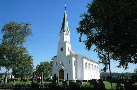 BERG TREKIRKE er tegnet av arkitekten, som senere kom til å lede oppbyggingen av jugendbyen i Ålesund etter storbrannen i 1904.