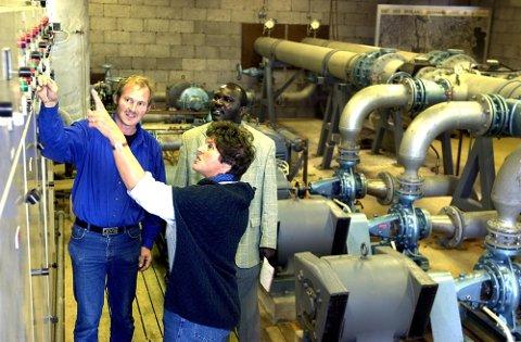 Brunlanes Jordvanning på  Halle fikk besøk av  Zambiere i regi av Vestfold bondelag for å se på hvordan vanninsanlegget i Brunlanes fungerer.