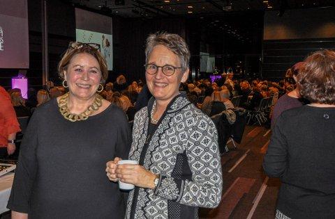 PÅ FARRIS BAD: Kari Foss-Pedersen (til venstre) og Merete Berdal.