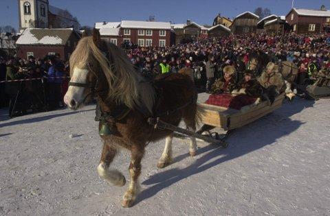 Rørosmartnan nr. 150, Opp gjennom årene har hesten vist seg som martnans beste venn som igjen gir drahjelp.