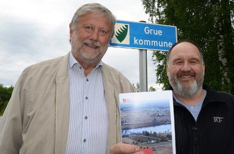 ER OPTIMISTER: PArtileder Kjetil Dammen, til venstre, og førstekandidat i Grue Ap, Rune Grenberg, har sterk tro på at Sigbjørn Johnsen vil åpne mange øyne med sitt foredrag i et åpent møte til uka.