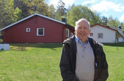 """Trond K. Nordby, prosjektleder i Forsvarsbygg, opplyser om at de valgte å ta bort oppskriften på """"boplikt-smutthullet"""" i uregulerte områder som finn-annonsen for tomtene i Mågerølia opprinnelig ble publisert med."""