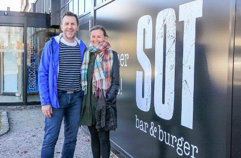 FLYTTET INN: Jon Olav Aursand og Tone-Kari Stigen driver SOT på Down Town.