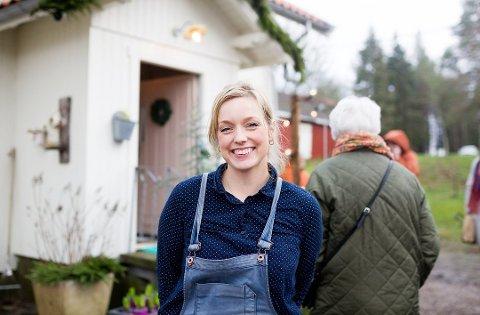 GLAD: Stine Marie Bjørnstad er svært fornøyd med at et enstemmig kommunestyre vedtok skjenkebevilling for Fru Blom Studio.