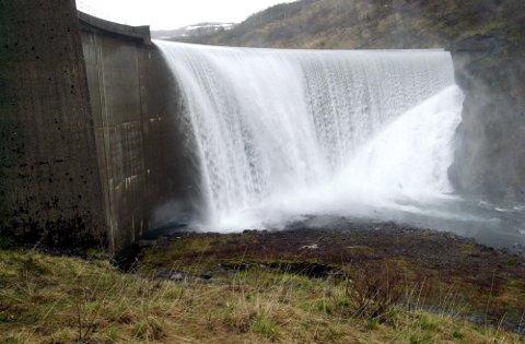 Bærekraft: Helgeland har et unikt utgangspunkt for å ta et betydelig bærekraftansvar. Vi har fornybar kraft og ikke minst nok fornybar kraft til fremtidens industri, rett utenfor stuedøra, skriver Elin Rønning. FOTO:  Arne FOrbord