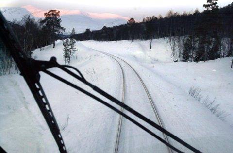 Nordlandsbanen er stengt på grunn av uvær.
