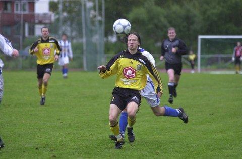 Frode Sørensen  har en spillerkarriere både fra B&Y IL og Stålkameratene. Nå er han en av to som skal trene det nye A-laget.