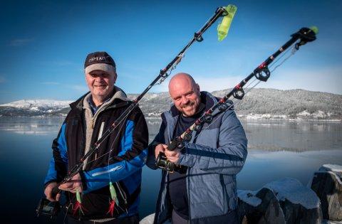 Roar Åsland og Espen Åsland er over gjennomsnittet interesserte i fiske. Nå vil de inspirere andre til å finne fiskegleden.