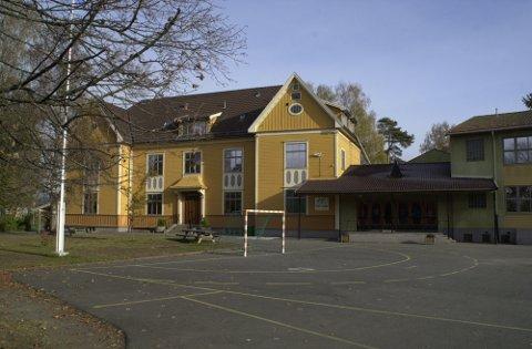 BLIR UTLEID? Eikli skole kan bli utleid til fylkeskommunen, mens renoveringen av Ringerike videregående skole pågår.