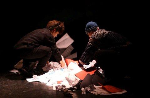 Mandag ankommer det sørkoreanske teaterselskapet Project Group Woon Rjukan. Her fra et tidligere prosjekt i Bergen.