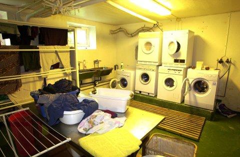 Kollektivet i Fetsund legges ut for salg i begynnelsen av august d.å. Vaskerom, kjeller. Foto: Geir Egil Skog, Romerikes Blad