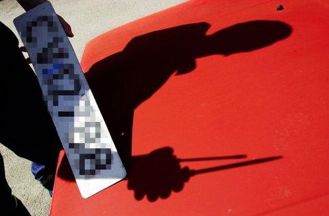 Nå får bileiere som ikke har betalt årsavgift vedtak om avskilting og registreringssperre av Skatteetaten. Illustrasjonsfoto. Foto: Erlend Aas (NTB scanpix)