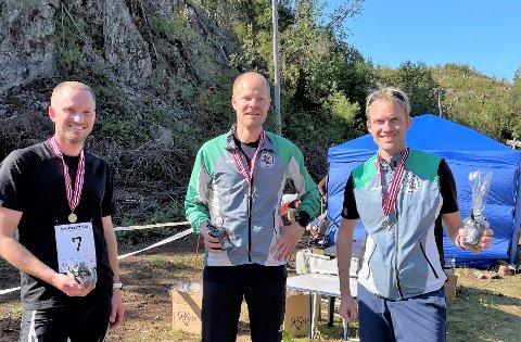 SØLVGUTTER: Laget som løp til sølv i kretsmesterskapet, f.v. Henning Carlson Strandhagen, Henrik Drange Ruud og Knut Holth Rekaa.