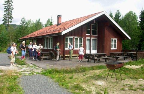 Mange turglade har gått innom Heisetra. Hytta er også kjent blant skoleungdom i Sandefjord. Mange elever har overnattet her.