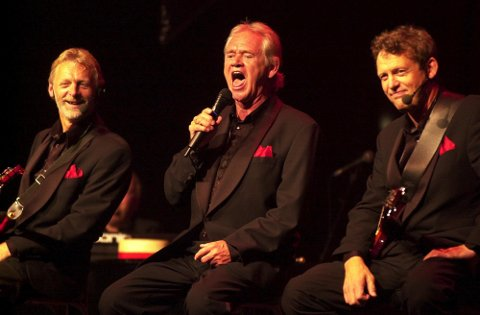 FÅR PLASS I ÆRESHALL: Dizzie Tunes og Yngvar Numme ( i midten), her fra en avskjedsforestilling i 2006.