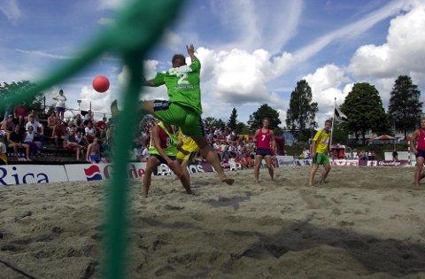 AVLYST: Beach-NM ble arrangert for første gang i 2001, i Sandefjord. Totalt har 14 mesterskap blitt arrangert her i byen. Bildet er tatt under turneringen i 2017.