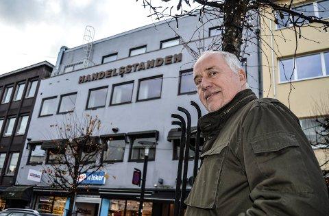 SELGER:  – Bygården til Sandefjord Handelsstands Forening i Jernbanealleen 24 kommer snart for salg, forteller styreleder Hans Jørgen Firing.