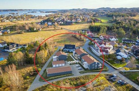 OVERSIKT: Det lille feltet med ti enheter lilgger i Kiserødveien 61-65 på Store Bergan. (Illustrasjon: Usbl Vestfold)