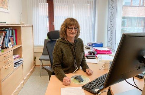 OPPTATT: Tine Luberth og teamet hennes har masse å gjøre. Folk i kommunen bes derfor ikke ringe dem med spørsmål.