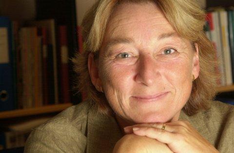 OSLO 20010829: Likestillingsombud Kristin Mile, smilende portrett. Foto: Cornelius Poppe / SCANPIX