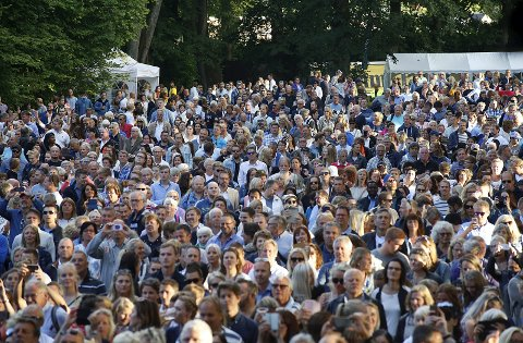 SARPSBORG VOKSER: Folketallet har steget til 55.150 sarpinger. I Hafslundparken i sommer var flere tusen samlet på en gang.