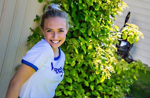 THE VOICE: Skjeberg-jenta Ingeborg L Walther (17) deltar i årets sesong av The Voice. Musikkprogrammet har premiere på TV2 mandag 21. august.