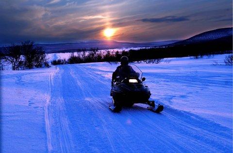 TATT OM NATTA: 31-åringen ble stanset av politiet da han fyllekjørte på snøscooter om natta.