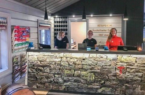 VELKOMMEN TIL FJELLS: Den Norske Turistforening trener folk i resepsjonen hos deres mest populære hytte.