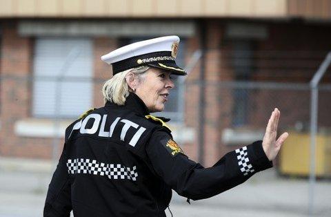 Politidirektør Benedicte Bjørnland sier hun ikke ønsker seg et politi om går inn med makt for å få folk til å følge myndighetenes råd.