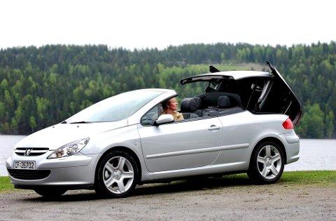 BESTSELGER: I 2003 ble det solgt 279 nye Peugeot 307 kabriolet i Norge. Det er nær hundre mer enn det totale kabrioletsalget i fjor.