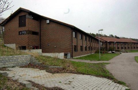 STENGER: 1. januar stenges dørene til 1990-bygget på Østre Bolærne.