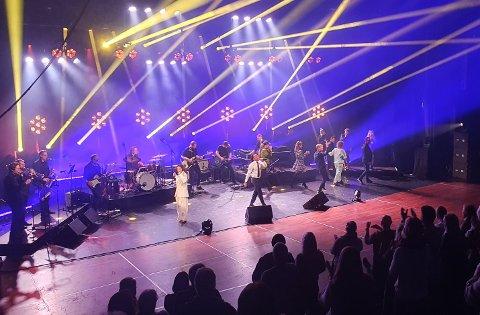 SHOW TO KVELDER PÅ RAD: Ni særdeles scene- og konsertvante artister holder show på Oseberg kulturhus onsdag og torsdag.