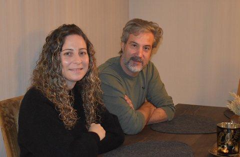 TRYGGHET: - Som foreldre flest ønsker vi å gi barna trygghet, sier Dalia Asaad (til venstre) og Samer Wardeh.