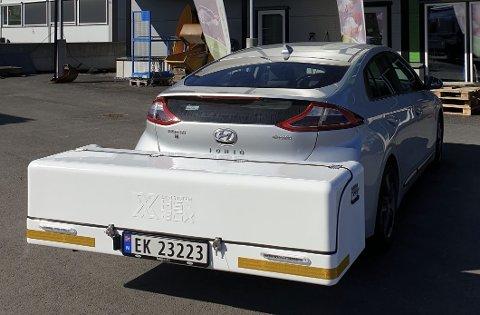 Den nye bakboksen i glassfiberarmert plast passer også godt på en mellomklassebil som Hyundai Ioniq. Foto: HSX