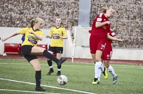 Kan rykke opp: Helene Randem Lunde gikk foran med topp innsats mot Ottestad. Onsdag kveld kan opprykket spikres.