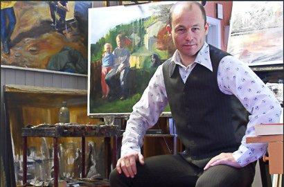 FRA STANGE: Kunstmaleren Roar Kjærnstad bor på Stange.