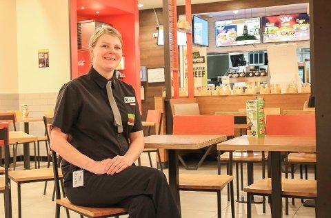Sjefen på Burger King, Stine Marie Bentsen (23) er for tiden i mammapermisjon, men har besøkt arbeidsplassen flere ganger i sommer.