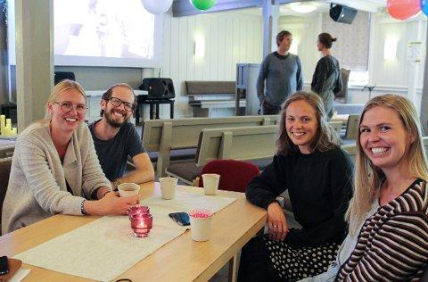 (f.v) Mari Robinson, Spencer Robinson, Hanna Homme og Ingliv Gjetmundsen har alle jobbet for å til en alternativ feiring av skjærgårdsfestivalen. De inviterte inn til livesending i Risør frikirke i helga.