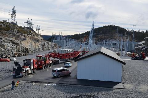 KVINESDAL: Kvinesdal transformatorstasjon ligger ved Hestesprangvatnet mellom Raustad og Feda.