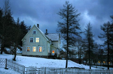 UNDER PRESS: Alberthaugen skole i Bodø er under press for tiden, siden kommunen vil kutte to millioner kroner fra skolens budsjett.