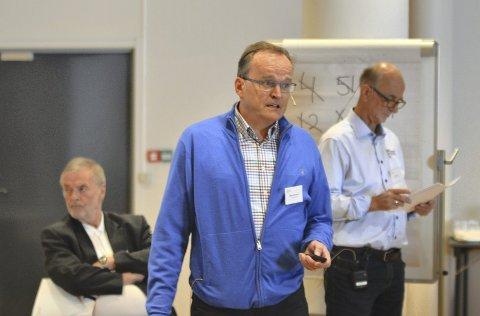 Bjørn Christensen (til venstre), Olav Farestveit og Terje Valen presenterte OL-planene på lørdagens idrettskretsting. Foto: Sindre Wiik