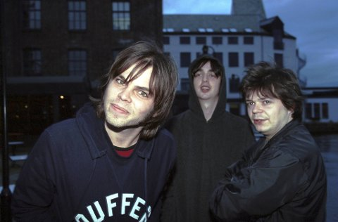 Her ser du Supergrass under deres forrige konsert i Bergen på USF Verftet. For 20 år siden.